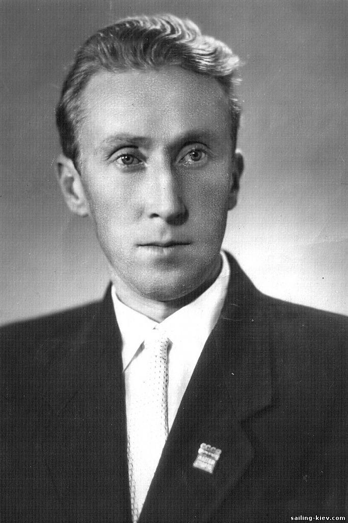 Михаил Костин